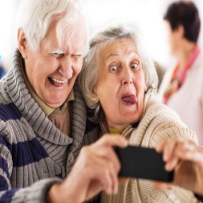 É dever de todos promover a dignidade e os direitos das pessoas idosas